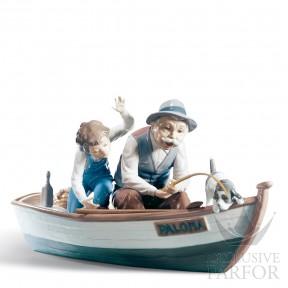 """01005215 Lladro Family Stories """"Family groups"""" Статуэтка """"Рыбаки в лодке"""" 22 x 39см"""