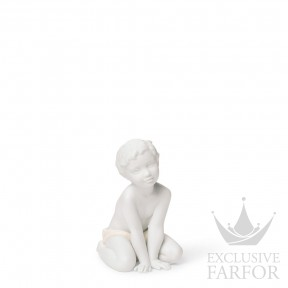 "01008406 Lladro Family Stories Статуэтка ""Сын"" 12 x 7см"