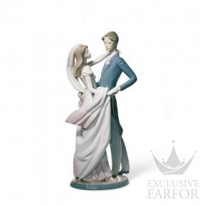 "01001528 Lladro Love stories ""Weddings"" Статуэтка ""Свадебный танец"" 37 x 16см"