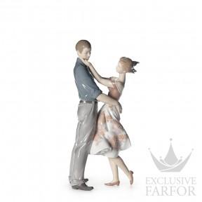 "01008330 Lladro Love stories ""Romances"" Статуэтка ""Счастливая встреча"" 30 x 14см"